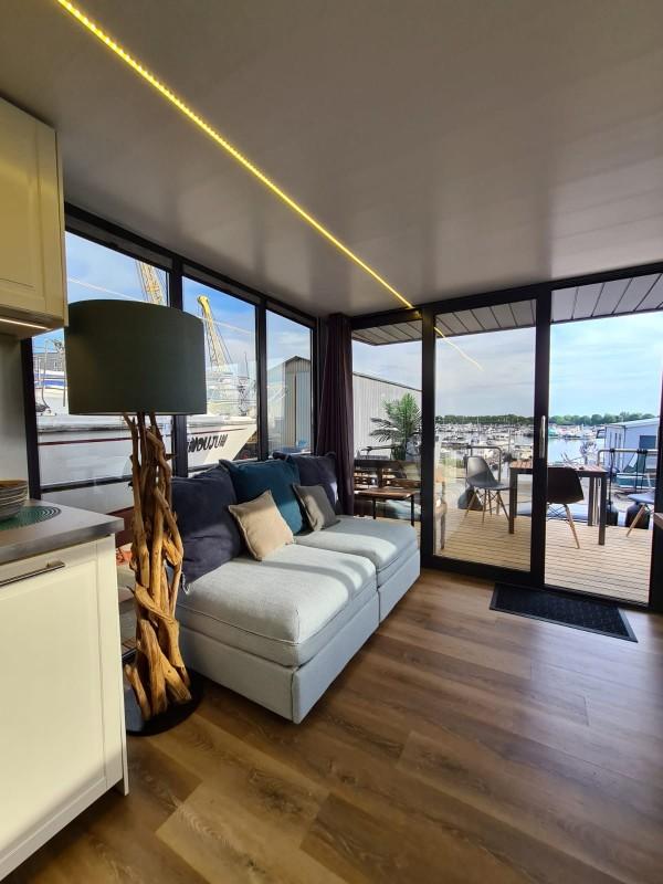 comfortklasse XL Otter Easy Houseboats keuken met zitbank web