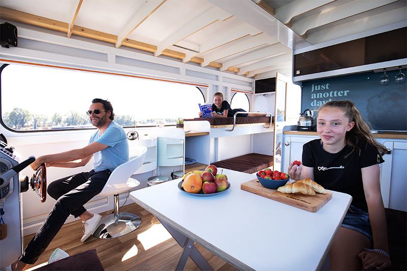 Compactklasse Otter Easy Houseboats interieur11