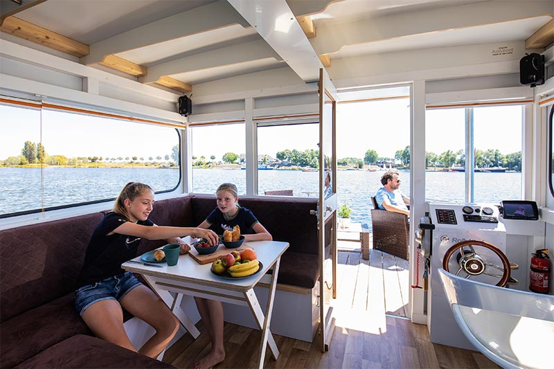 Compactklasse Otter Easy Houseboats interieur12