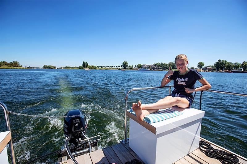 Compactklasse Otter Easy Houseboats terras3