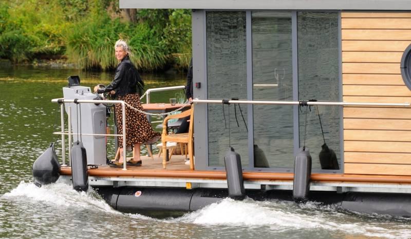 comfortklasse XL Otter Easy Houseboats exterieur varend3